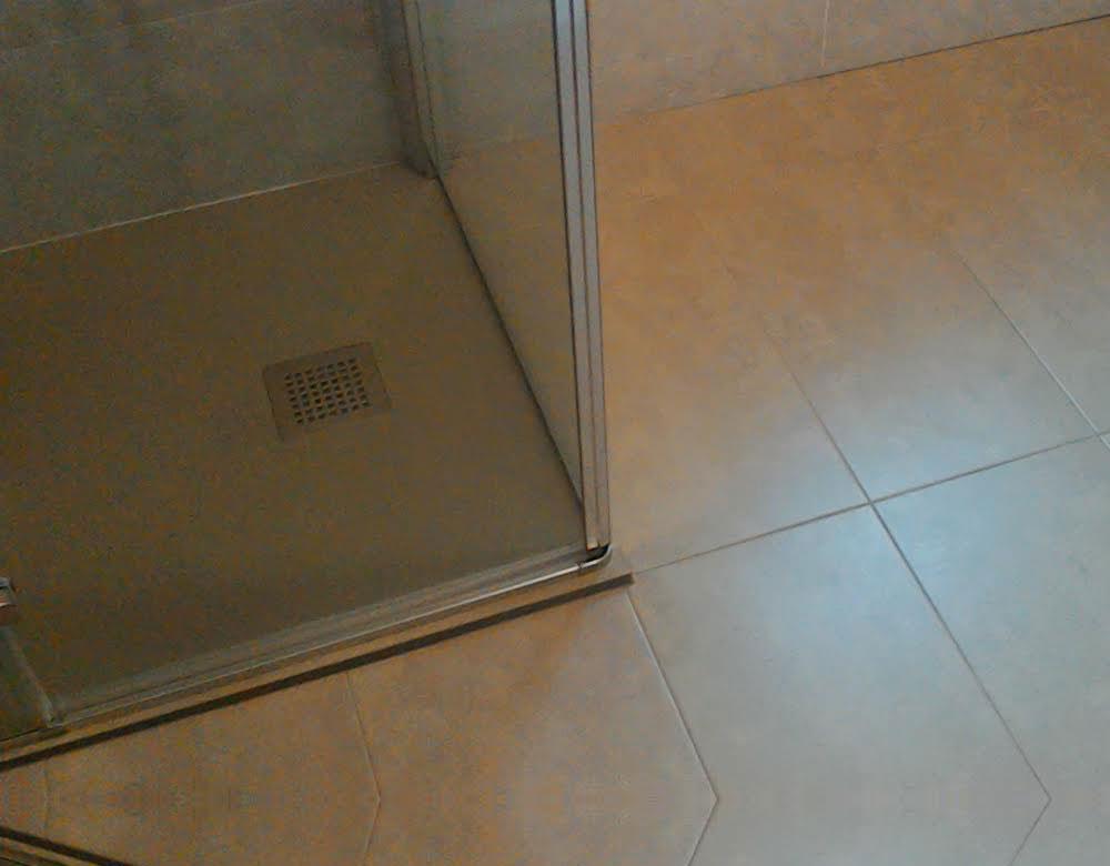 Rivestimento bagno con gres porcellanato pavimenti zambon di